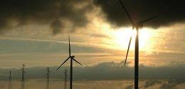 Gestion entretien éoliennes et panneaux solaires