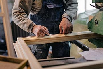 Fenêtre avec structure en bois