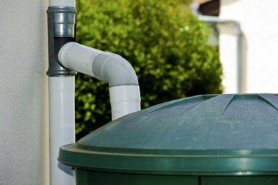 Installation d'un récupérateur d'eau de pluie